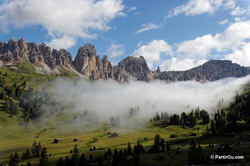 Le Col De Passo Gardena En Photos Dolomites Italie